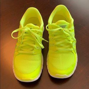 Nike Shoes - NIKE FREE size 9.5 (fits like a 9) running shoe